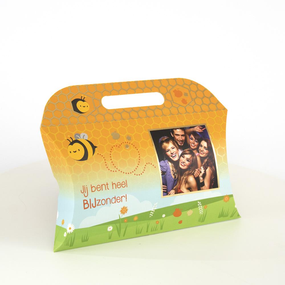 De Bijenkorf is een schitterende verpakking om een kledingstuk mee te geven voor Valentijn