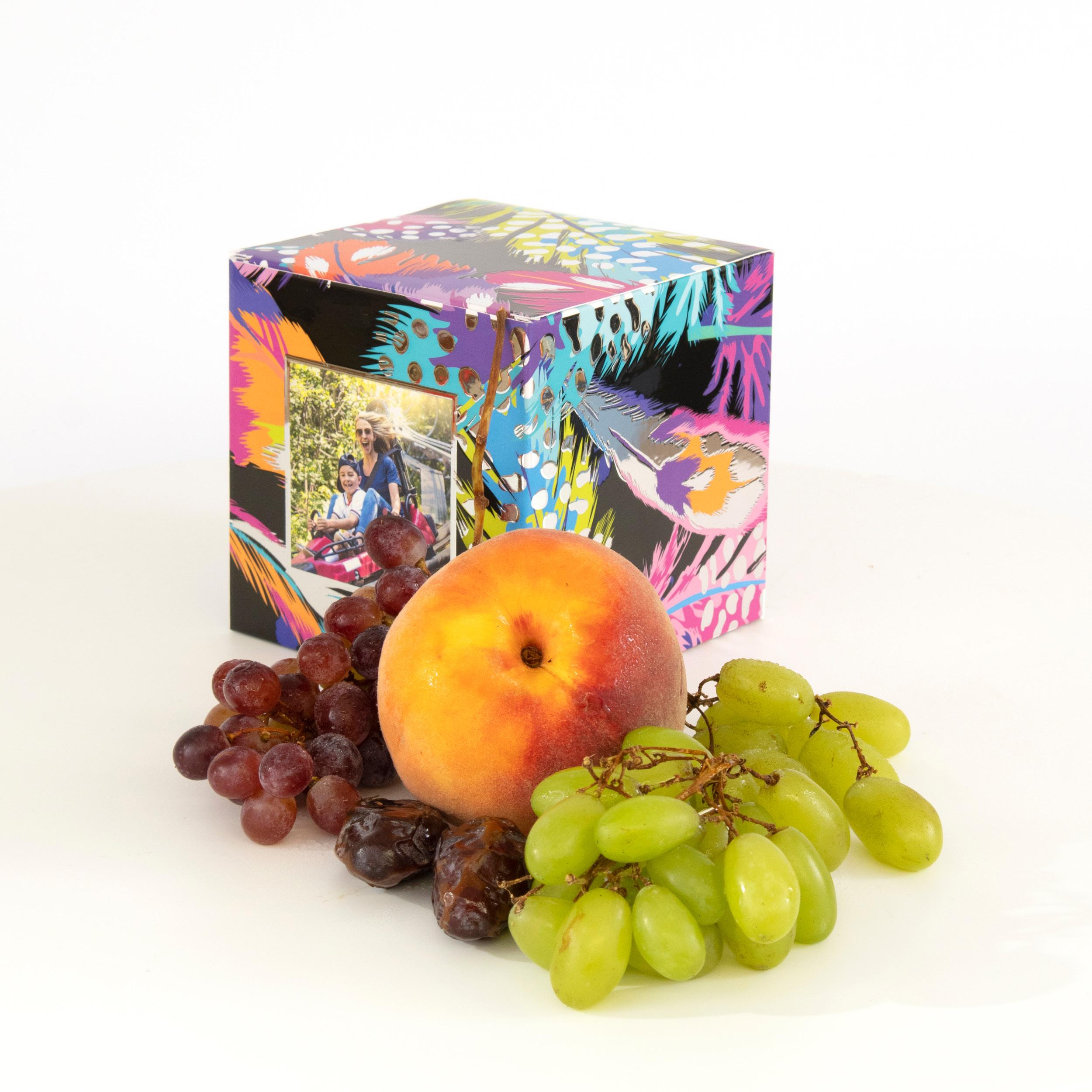 Fruit, heerlijk en gezond. Wij werken samen met een groentenboer die alleen de allerbeste kwaliteit fruit verkoopt. Een prachtig cadeau om aan je moeder te geven.