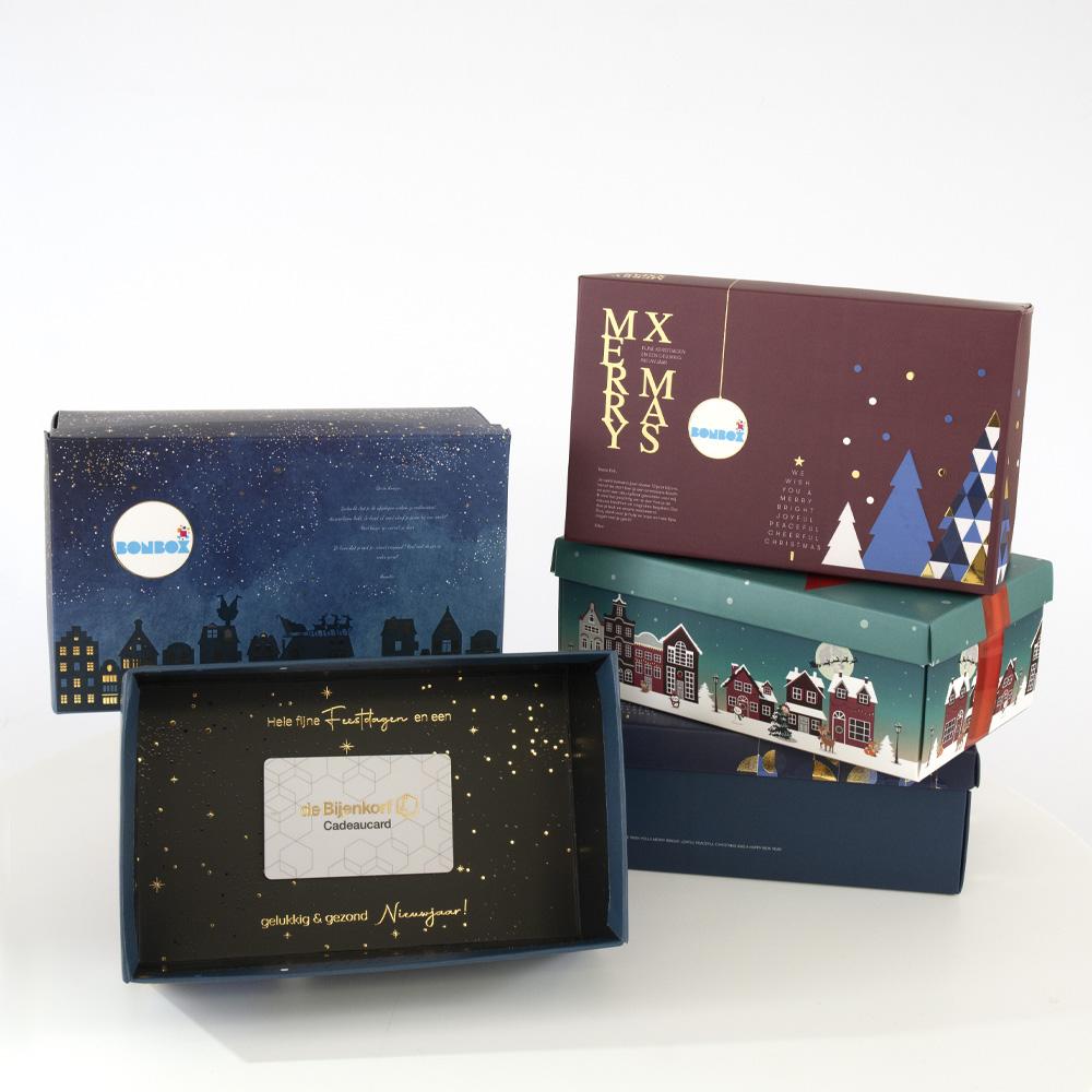 Geef één van onze prachtige kerstpakketten cadeau in een schitterende BonBox met logo en persoonlijke boodschap.
